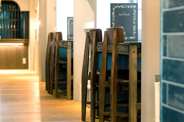 「袋とじ」が開く読書の扉 目利きが選ぶブックカフェ