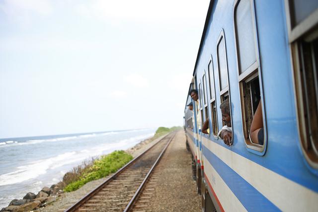 スリランカ 列車の旅が好き