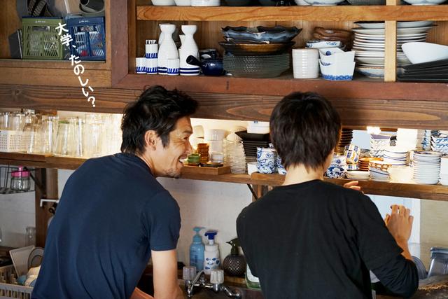 CAFEで働く元サッカー日本代表・加地亮さん