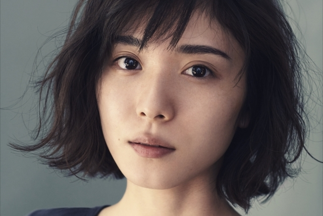 松岡茉優が、すっぴん素肌を初披露
