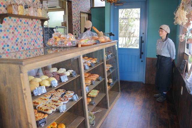「六角形メガネ×ベレー帽」のオーナーが仕掛けるパン