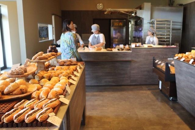 素材重視のパン作り……パン屋「365日」の革命を九州へ