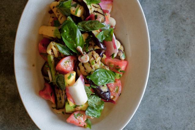 まだまだ夏を楽しみたい! 冷水さん流、夏野菜のサラダ