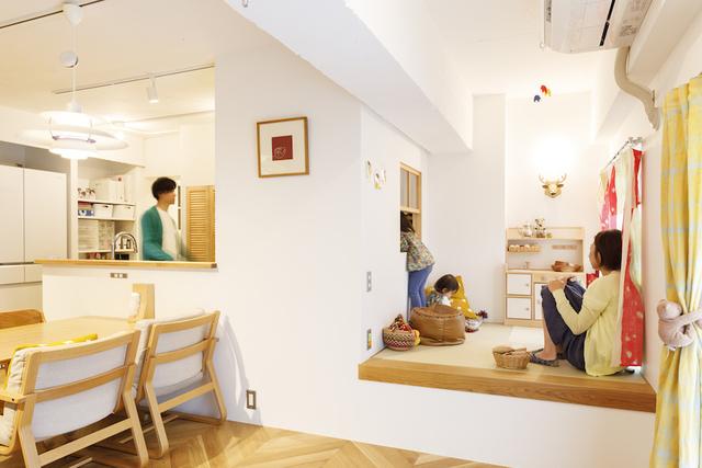 キッチンと窓でつながる子ども部屋。子育て世帯のリノベ
