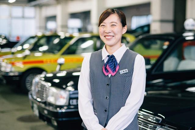 タクシードライバー:奥富萌さん