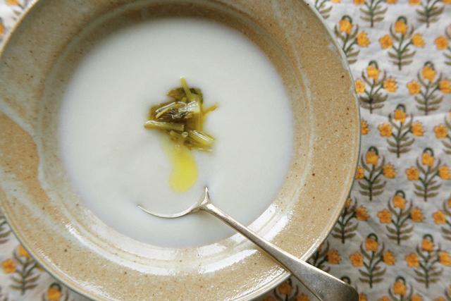 寒い朝に食べたい、カブのポタージュスープ