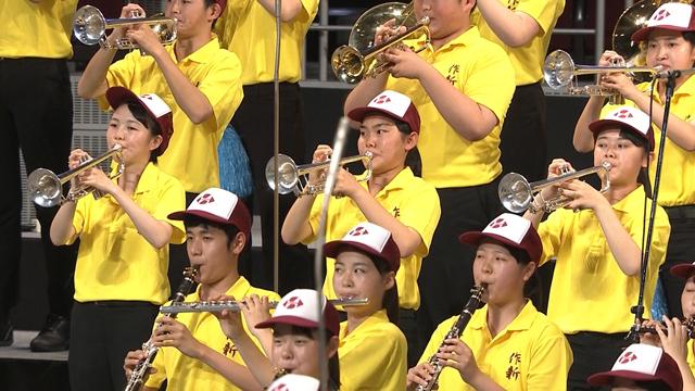 まるで甲子園のアルプススタンド 吹奏楽名門校が競演