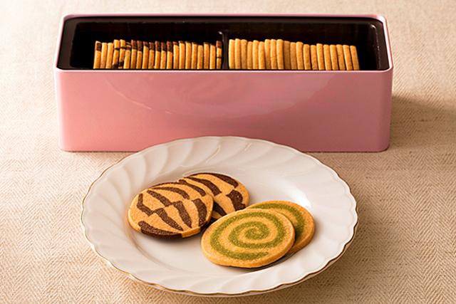 薄めのクッキーは心地よい歯触り