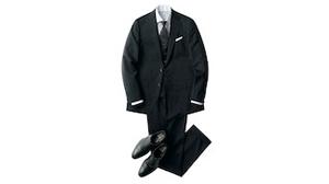 黒のスーツはビジネスシーンであり?なし?