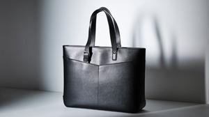 モダンなエレガンスを表現したモンブランのトートバッグ