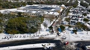 テキサス州の寒波被害の中、高級リゾートに逃げた共和党上院議員