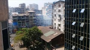 ミャンマー治安部隊とデモ隊、筆者の自宅近くで衝突 家の中に入り込む催涙弾の異臭~ヤンゴン緊急リポート第七弾