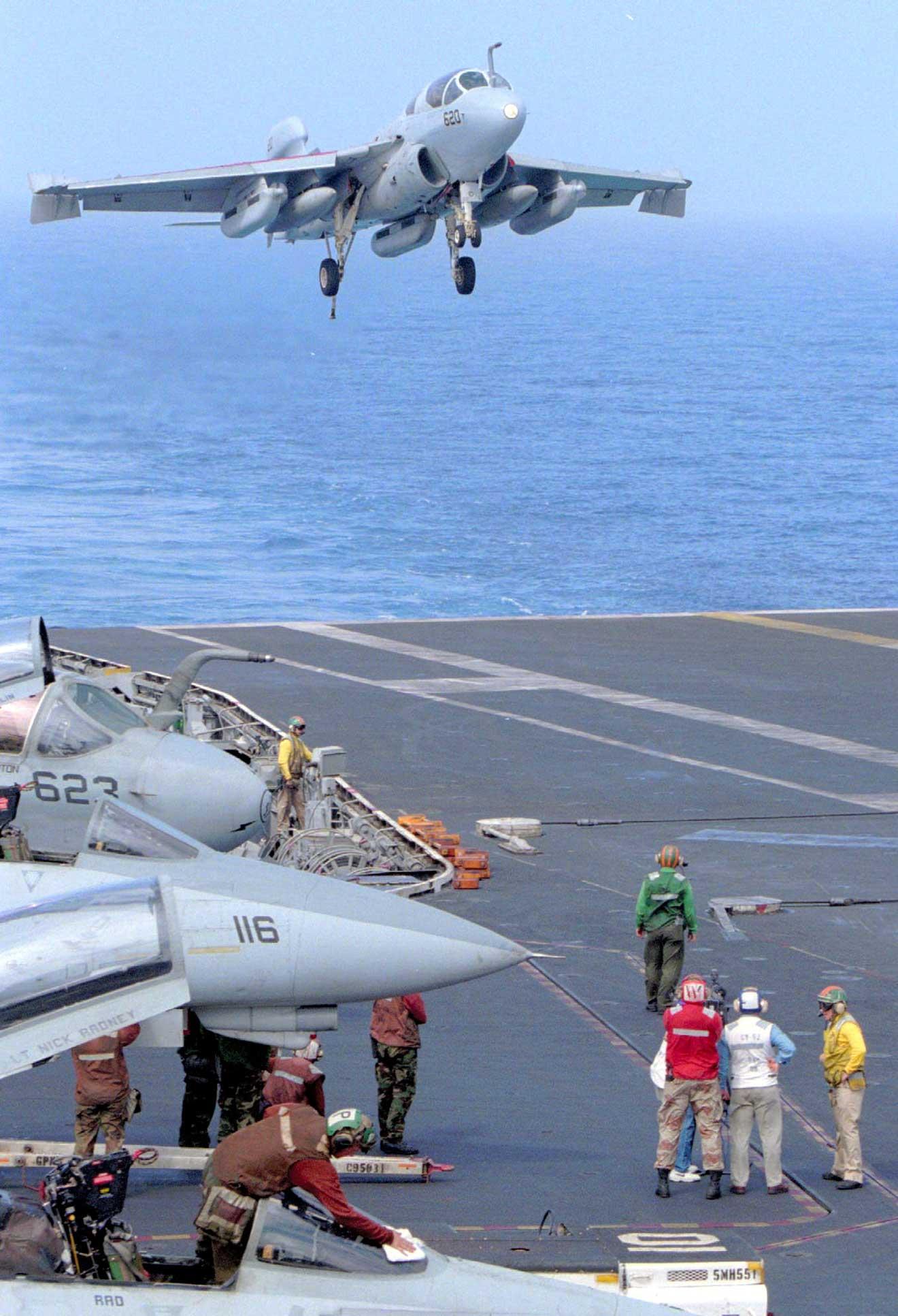 1996年|中国が台湾近海でミサイル演習