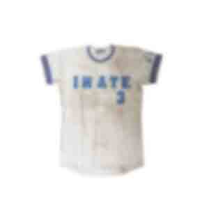 野球のユニフォーム/IWATEとチーム名が入っている。背番号は3