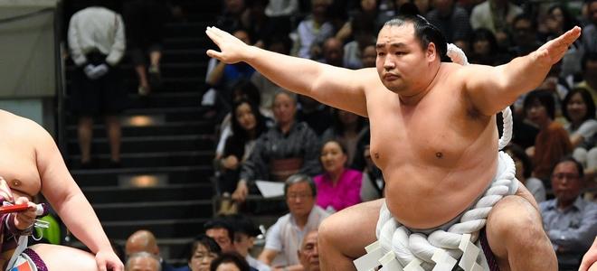 鶴竜に関するトピックス:朝日新聞デジタル