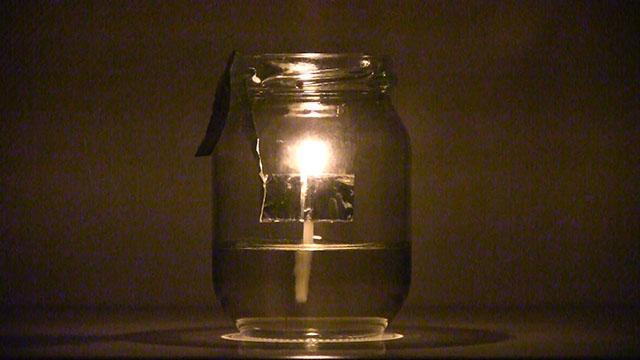 停電対策に「サラダ油ランプ」 3分で製作、火は長持ち